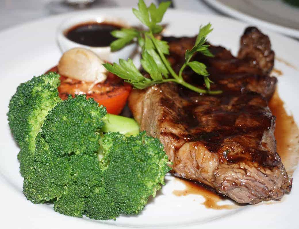 Green Mountain vs Traeger: Best Pellet Grills Comparison