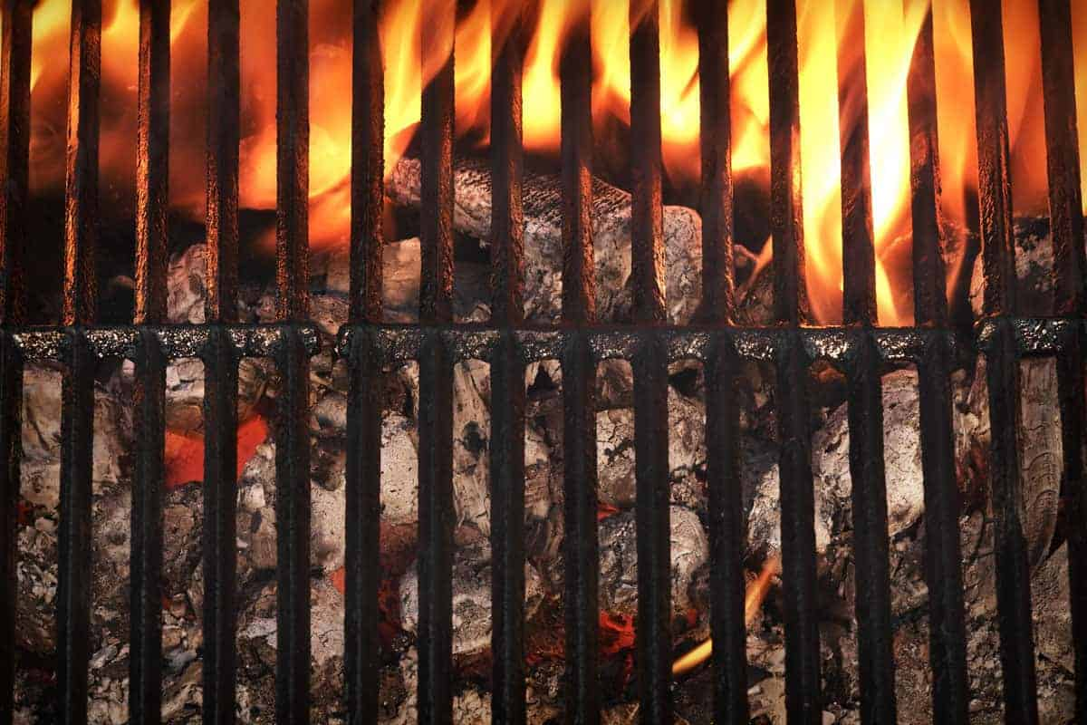 How Long Does a Charcoal Grill Stay Hot Enough for Cooking?
