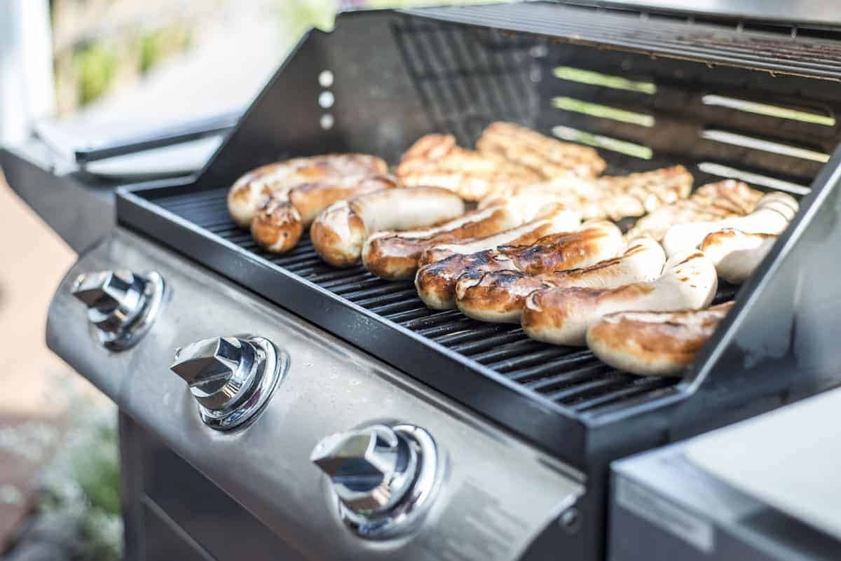 Weber Genesis E-330 Review: Is It Worth A Second Look?