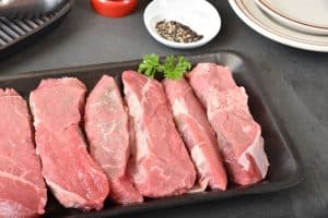 uncooked choice beef petite sirloin fillets