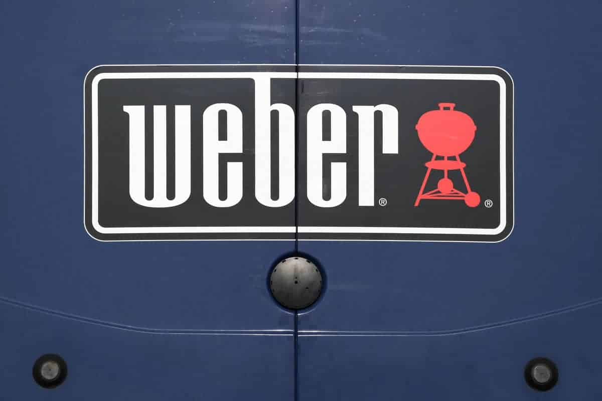 Weber Master Touch vs Premium: A Side-by-Side Comparison