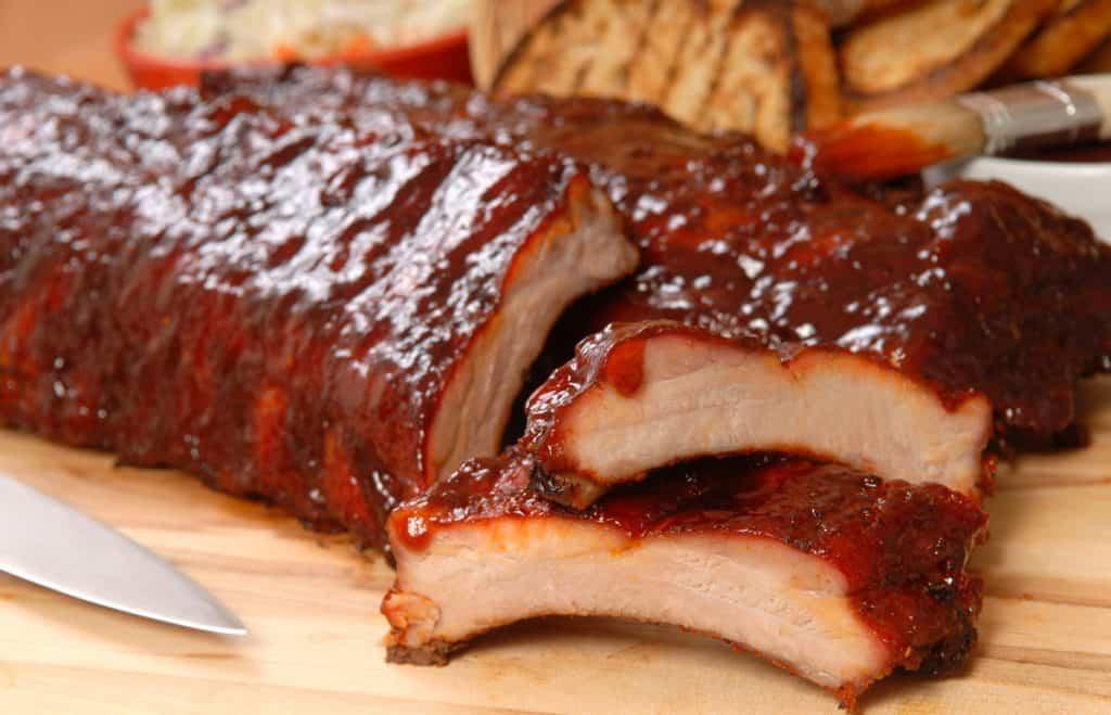 BBQ ribs with sauce